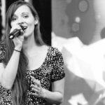Beim Singen glänzen