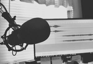 Podcast: Teuer vs. günstig – Welches Mikrofon für Gesangsaufnahmen?
